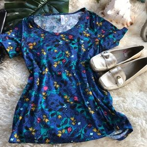 LulaRoe Top ⭐️5 for $25⭐️